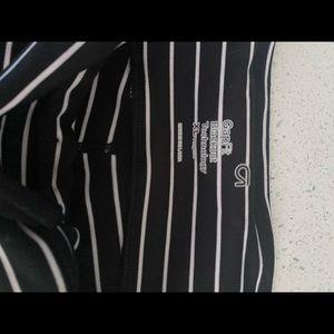 Worn striped gap leggings. 7/8.